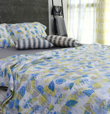 Scattered Semi Print Cotton Bedsheet – Yellow- With 2 pillow covers