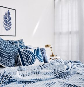 Star Triangle Bedsheet – Blue