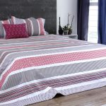 Broad Border Cotton Bedsheet – Pink- With 2 pillow covers
